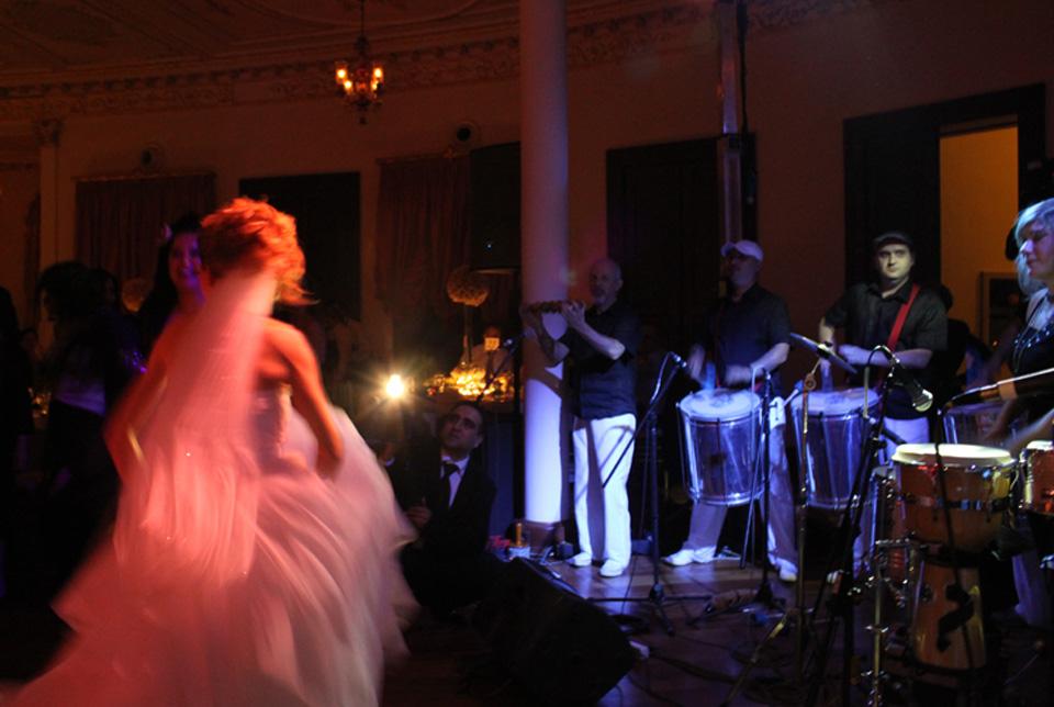Düğün Showları (Gelin Çıkarma, Pasta Bandosu, After Party şovları ve daha fazlası)